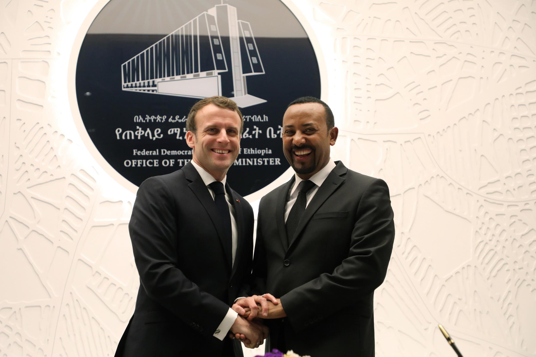 Le Premier ministre éthiopien Abiy Ahmed et le président français Emmanuel Macron ont signé plusieurs accords, le mardi 12 mars 2019, à Addis Abeba.