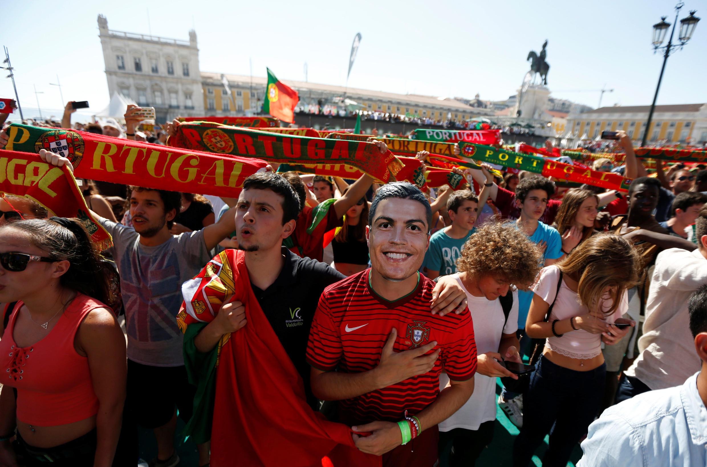 Supporters portugais à Lisbonne, le 22 juin 2016.