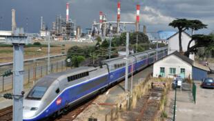 Сверхскоростной французский поезд TGV