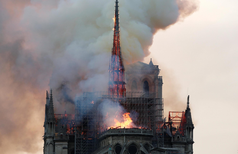 Пожар Собора Парижской Богоматери, 15 апреля 2019.