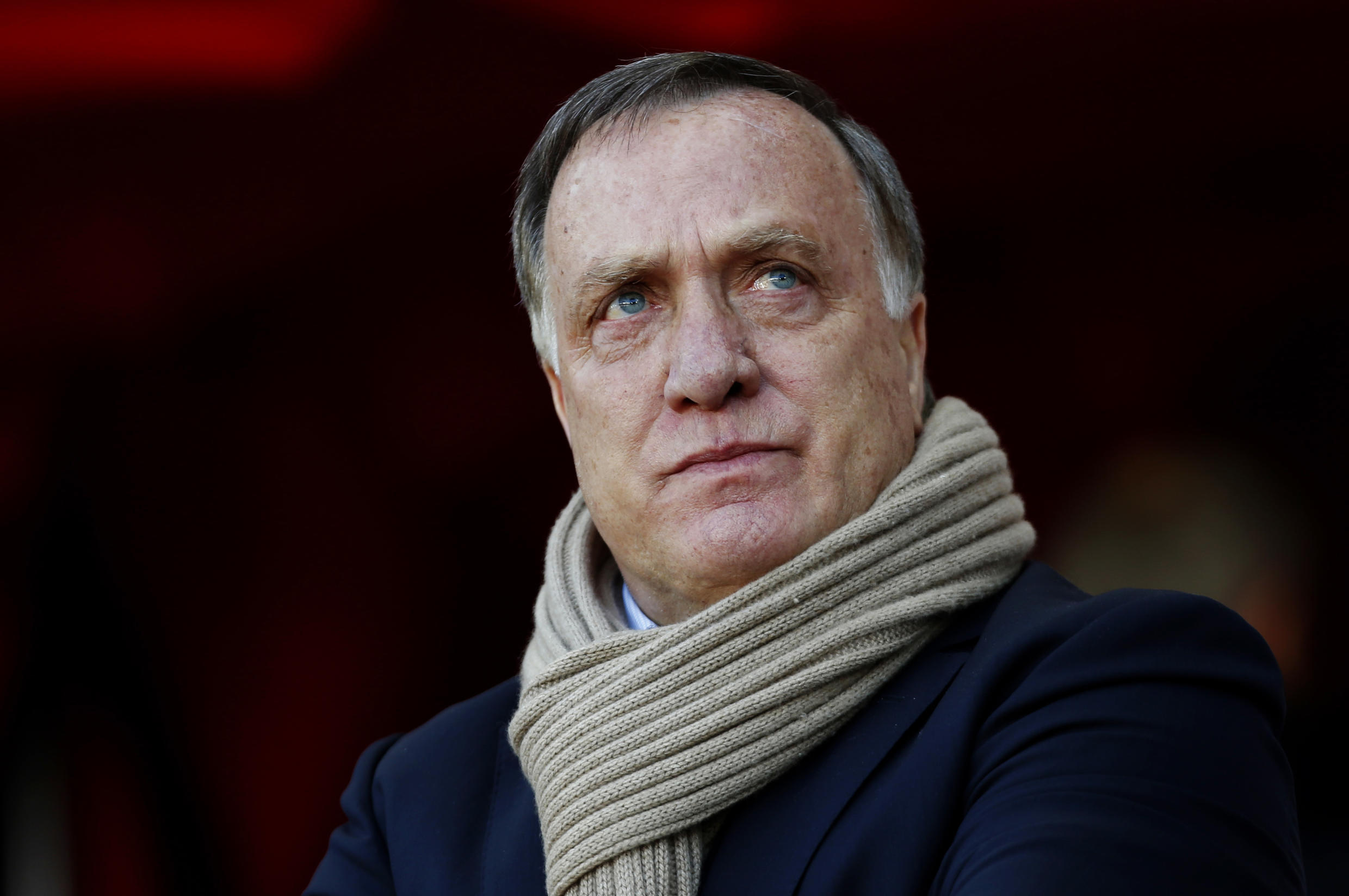 Dick Advocaat leads his struggling Sunderland side against a Southampton team chasing a spot in next season's Europa League
