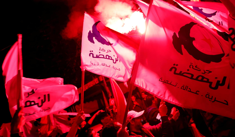 """حزب اسلامگرای """"النهضه"""" پیشتاز انتخابات شهرداریها در سراسر تونس."""