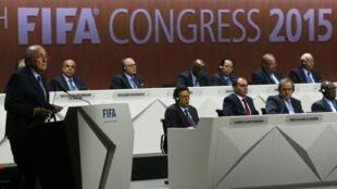 No Congresso da Fifa, o presidente Joseph Blatter tentará sua reeleição pela quinta vez, apesar das suspeitas e pressão que pesam sobre sua pessoa.