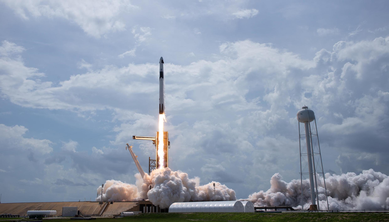 Le décollage de la fusée de SpaceX.