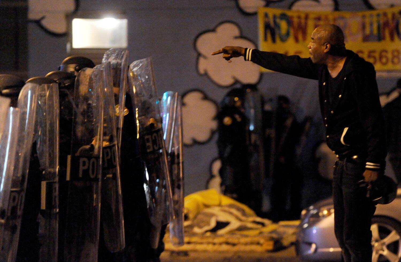Filadélfia foi palco de violentas manifestações depois da polícia ter baleado mortalmente um afro-americano.