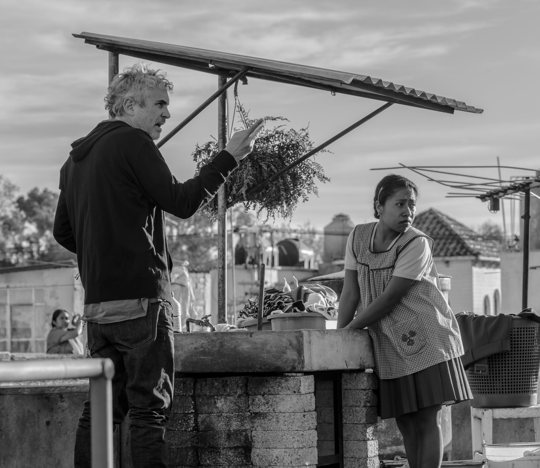 Режиссер Альфонсо Куарон и актриса Ялица Апарисио. Фильм «Рома»