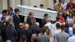 Funeral de Louis Fajfrowski, el 17 de agosto de 2018. El joven jugador de Aurillac falleció el 11 de agosto después de un placaje en un partido de rugby.