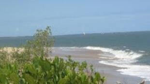 Vista parcial da ilha de Xefina, em Moçambique