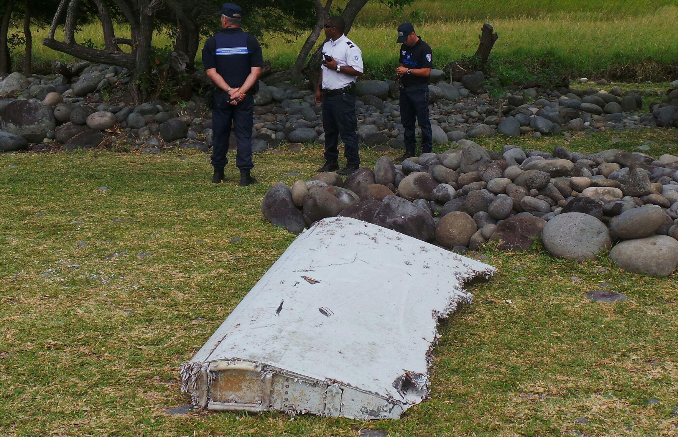 Kipande cha ndege ya Malaysia MH370 iliyotoweka  mwaka 2014.