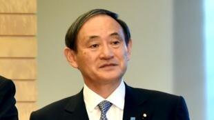 資料圖片:日本官房長官菅義偉。2015年8月6日攝於東京