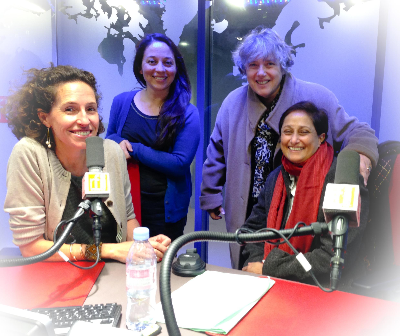 Les tchatcheuses Paola Martinez, Vibeke Knoop Rachline et Vaiju Naravane