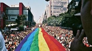 Imagen referencial de la bandera LGTBI