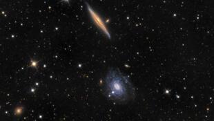 Les galaxies suffisamment lointaines s'éloignent de nous à une vitesse plus grande que la vitesse de la lumière.