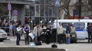 Três das seis vítimas fatais do atirador foram mortas na rua.