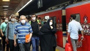 سخنگوی وزارت بهداشت، گفت طی هفته گذشته با افزایش ۲۰ درصدی در بستری بیماران تهرانی مواجه بوده ایم