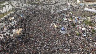 La foule de manifestants de l'opposition réunis place Tahrir, au Caire, le 4 février 2011.