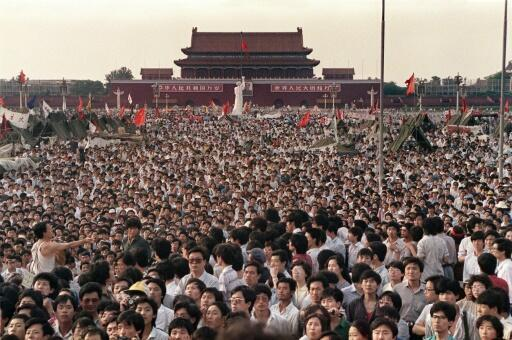 Thousands had gathered for weeks in Tiananmen Square to call for democratic change and an end to corruption (picture from June 2, 1989). After the People's Liberation Army had crushed the largely peaceful protests, people in Hong Kong panicked, knowing that they would come under Chinese rule just eight years later.