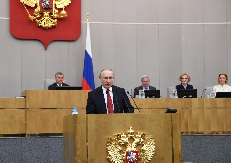 Tổng thống Nga Vladimir Putin phát biểu tại kỳ họp Hạ Viện ở Matxcơva ngày 10/03/2020.