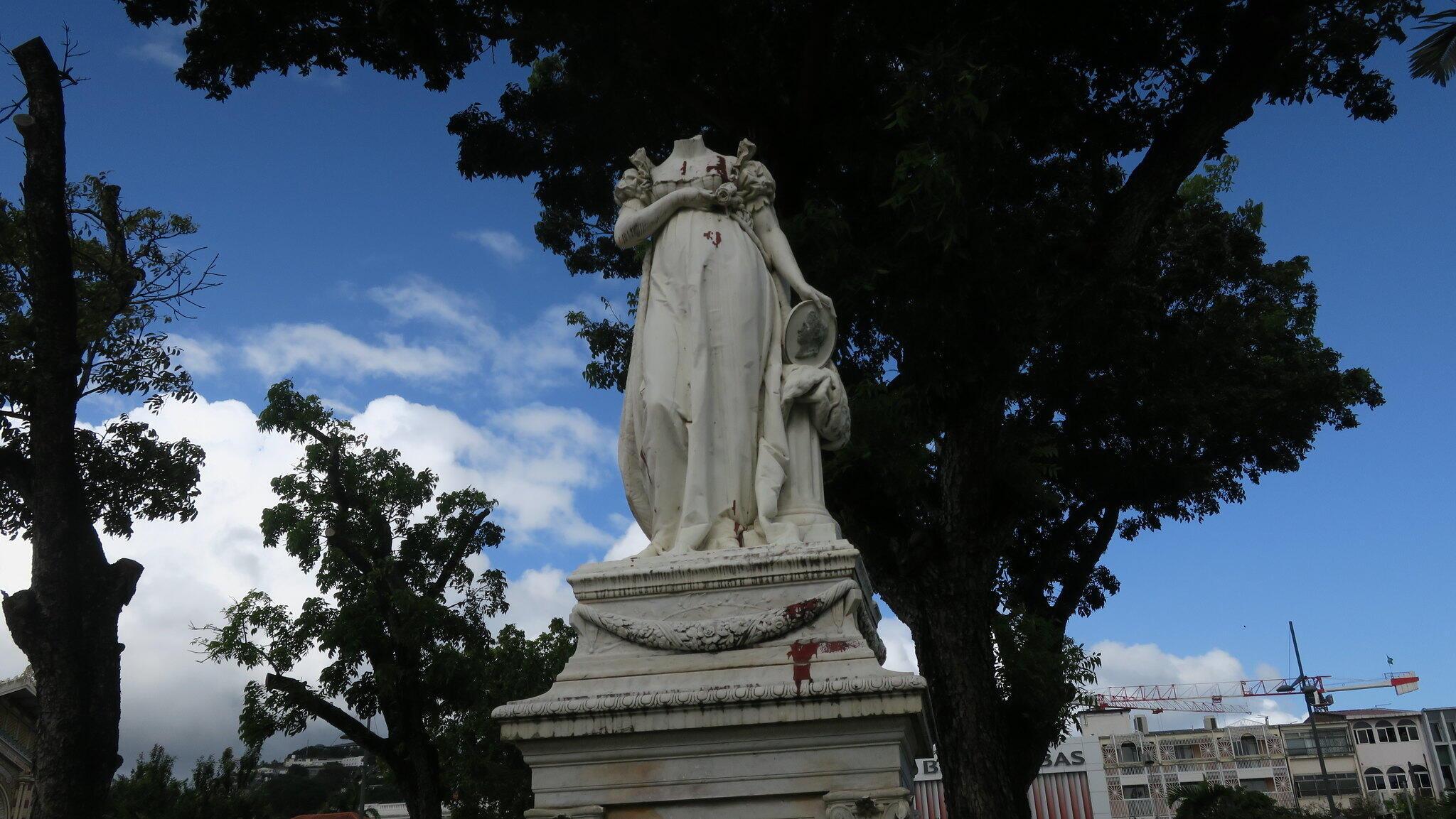 2020-07-27 france martinique statue josephine