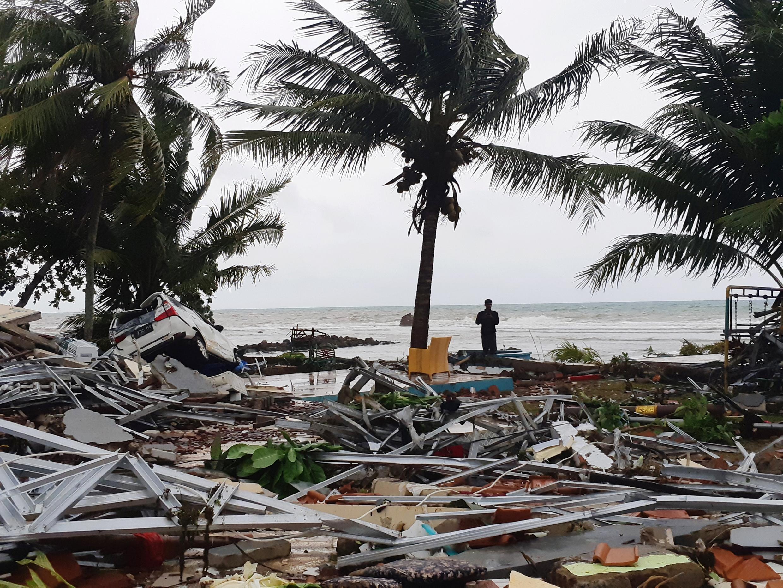 Les débris sur la plage de Carita, en Indonésie, le 23 Decembre 2018.