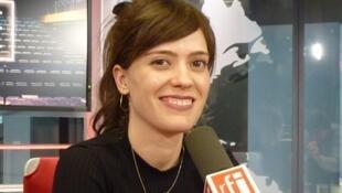 La actriz Itsaso Arana en los estudios de RFI