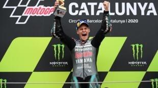 Fabio Quartararo célèbre sa victoire au Grand Prix de Catalogne, 27 septembre 2020.