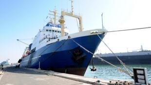 Navio russo, Oleg Naydenov, apreendido a 4 de Janeiro no Senegall, acusado de pesca ilegar.