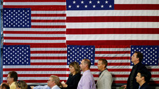 Người dân Mỹ tại Pennsylvania nghe tổng thống Donald Trump nói về cải cách thuế, ngày 11/10/2017.