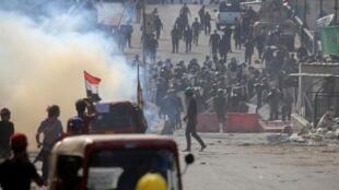 با ادامه اعتراضات در عراق، روز پنجشنبه ۷ نوامبر/ ۱۶ آبان در اثر تیراندازی نیروهای پلیس دستکم ۴ نفر از تظاهرکنندگان کشته و بیش از ۳۵ نفر زخمی شدند.
