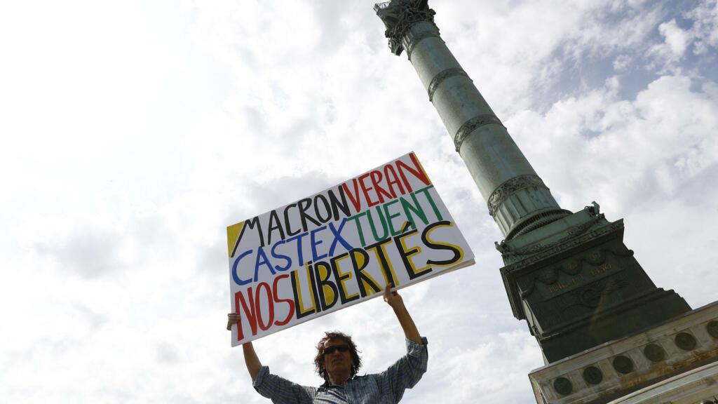 Macron, Castex tread fine line as Constitutional Council decides on health pass extention