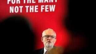 En campagne à Blackpool ce mardi 12 novembre, le patron des travaillistes Jeremy Corbyn s'est dit «nerveux» à l'idée d'une nouvelle cyberattaque.