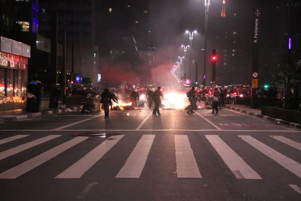 Imagens dos protestos contra o aumento do preço do ônibus em São Paulo