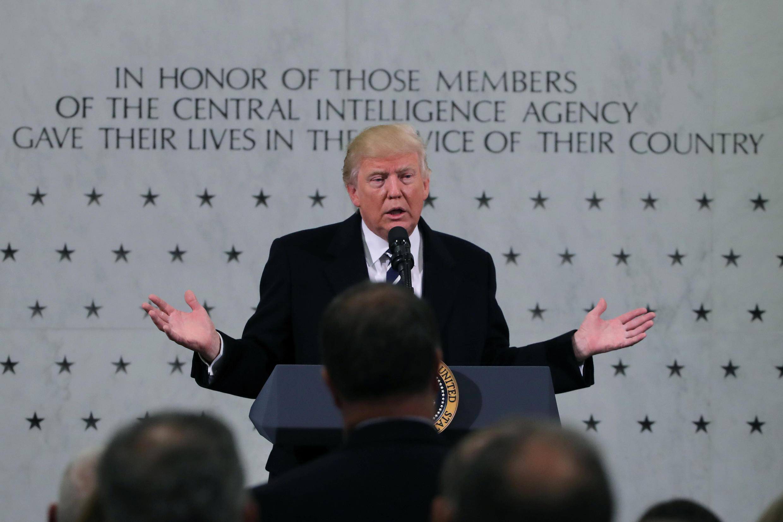 Tân tổng thống Mỹ Donald Trump phát biểu tại trụ sở CIA, Washington, ngày 21/01/2017