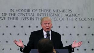 Donald Trump durante uma visita à sede da  CIA, em 21 de janeiro de 2017.