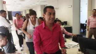 José Luis Abarca en Chilpancingo, octubre de  2013.
