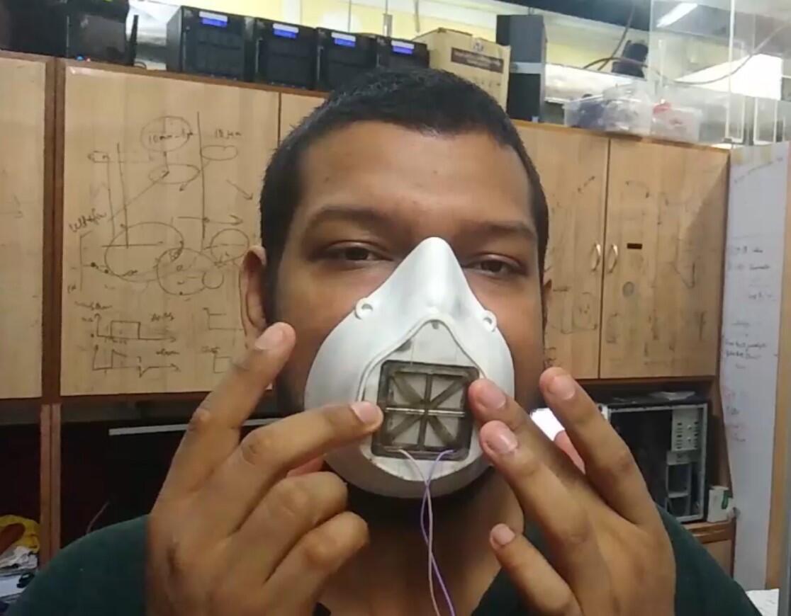 Prototype d'un «smart mask», ou masque intelligent, développé par les scientifiques du TIFR, qui devrait bientôt être breveté.