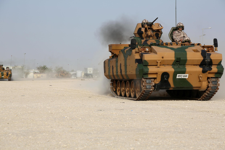 واحدهایی از ارتش ترکیه روز یک شنبه ۱۹ ژوئن برای شرکت در یک رزمایش مشترک با ارتش قطر وارد این امیرنشین شدند.