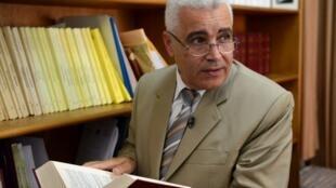 Le directeur des Archives nationales, Jamaa Baida, dans son bureau, à Rabat, le 8 janvier 2013.
