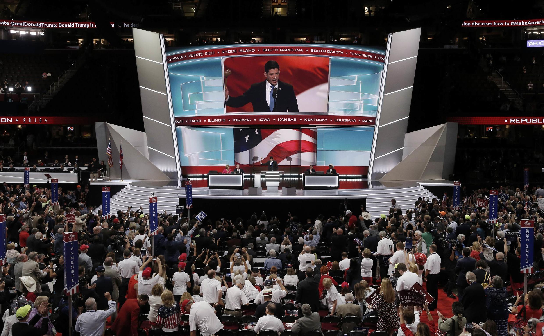 El portavoz del partido republicano Paul Ryan declara la victoria de Trump en la nominación en el segundo día de Convención republicana en Cleveland, Ohio.