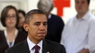 Barack Obama se dirige a las víctimas de Sandy en la Cruz Roja el 30 de octubre.