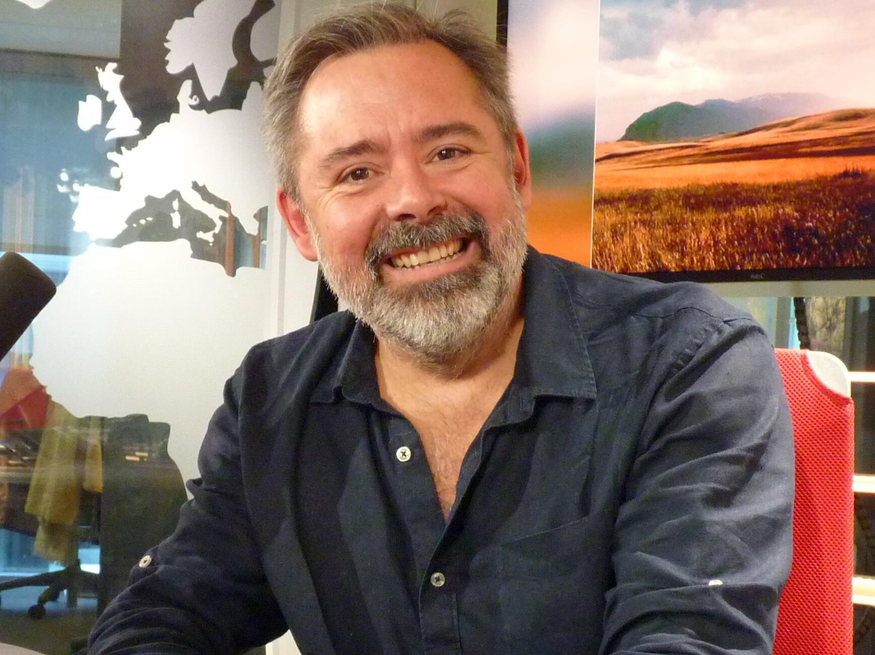 Amando Risueño en los estudios de RFI