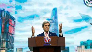 Ông John Kerry phát biểu tại Đại học Công Nghệ và Giáo Dục Sài Gòn, 13/01/2017.