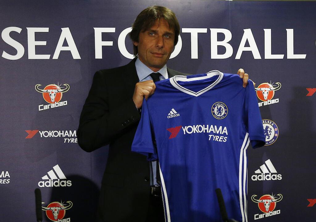 Kocha mpya wa klabu ya Chelsea, Antonio Conte, akitambulishwa rasmi mbele ya waandishi wa habari, kwa mara ya kwanza, Julai 14, 2016