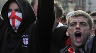 Des militants de l'organisation d'extrême droite EDL à Londres.