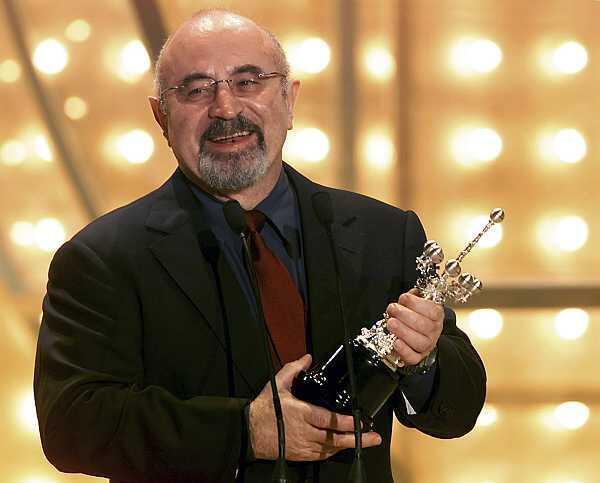 Bob Hoskins tras recibier el premio Donostia, el 27 de septiembre de 2002.