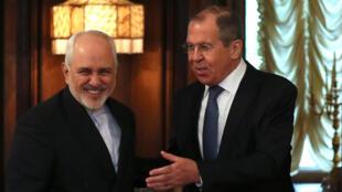 伊朗外長紮里夫5月7日訪問莫斯科,與俄羅斯外長拉夫羅夫會談。