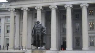 نمای بیرونی وزارت خزانهداری آمریکا در واشنگتن