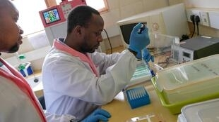 Laboratoire de recherche Épicentre en Ouganda.