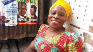 Aïsha réside à Ibadan mais vient en voiture jusque son quartier d'origine, Obalendé, à Lagos, pour les scrutins électoraux.