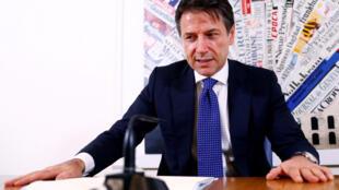 Giuseppe Conte durante coletiva de imprensa desta segunda-feira (22) em Roma